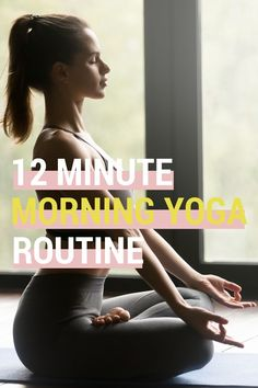 Here is a simple morning yoga routine that will start your day off right. This beginner morning yoga sequence is easy to do and can really freshen you up. Need morning yoga stretches? Start with this morning yoga ritual. Morning Yoga Stretches, Morning Yoga Sequences, Beginner Morning Yoga, Morning Yoga Routine, Cap Baby, Exercise To Reduce Thighs, Iyengar Yoga, Yoga For Weight Loss, Vinyasa Yoga