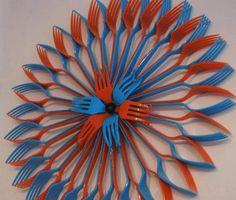 flower art Art Of Creating Plastic Flowers And Using Them Around The House - Bored Art Fork Crafts, Easy Crafts, Crafts For Kids, Arts And Crafts, Plastic Spoon Crafts, Plastic Spoons, Plastic Bags, Plastic Pop, Silverware Art