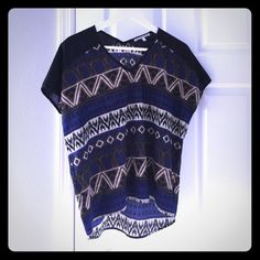 """Collective concepts Aztec blouse Collective concepts Aztec blouse in small.  100% polyester.  Measures 22"""" pit to pit and 25"""" length. Collective Concepts Tops Blouses"""