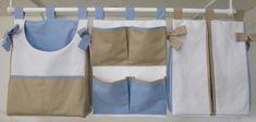 Conjunto porta fralda e porta trecos (ou roupa suja).  Feito em Piquê e tricoline 100% algodão.  Pode ser feito na cor desejada.  Tamanho 40x30cm R$ 130,00