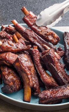 Chinese Barbecued Spare Ribs: For quick-cooking spareribs, we braise the cut ribs, make a glaze, and then roast them in a hot oven to crisp the exteriors. Authentic Chinese Recipes, Chinese Chicken Recipes, Easy Chinese Recipes, Asian Recipes, Authentic Chinese Spare Ribs Recipe, Chinese Bbq Ribs Recipe, Chinese Ribs, Rib Recipes, Cooking Recipes