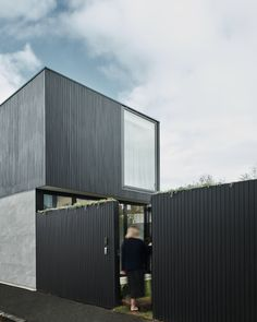View Shiplap gallery to understand more about our external timber cladding. Black Cladding, Shiplap Cladding, Timber Cladding, Exterior Tiles, Exterior Cladding, Diy Blinds, Diy Curtains, Timber Outdoor Furniture, Townhouse