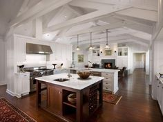 Love the openess of this kitchen, and the sink in the island is a MUST when there is more then 1 person in the kitchen