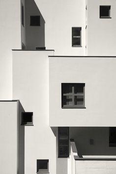 archequipe | House KLR in Cologne, Germany. 2012. Photo © Roland Unterbusch.