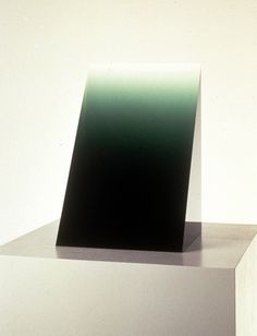 peter alexander, green Widget, 1969: cast polyester resin, 14 1/2 x 8 3/4
