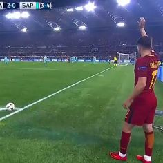 AS Roma Shocking Barcelona By Coming Back Against All Odds In The Champions League! Cr7 Ronaldo, Cristiano Ronaldo, Hugo Lloris, Sergio Aguero, Neymar Brazil, Lionel Messi Wallpapers, Soccer Memes, Le Tennis, Soccer Skills