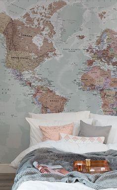 Domenica Sleepy in questi bella rosa e tonalità neutre. Questa mappa del mondo carta da parati racchiude una straordinaria varietà di colori freddi e tenui. Coppia con strati di texture differenti per una vera sensazione di intimità nella camera da letto.