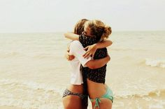 Best friends on a beach is perfection. Take note of this @Sara Eriksson Eriksson Bevan and @Amanda Snelson Snelson Lee