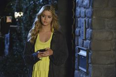 Pin for Later: The TV Fanatic's Halloween Guide: How to Dress as Your Favorite Character Alison DiLaurentis From Pretty Little Liars