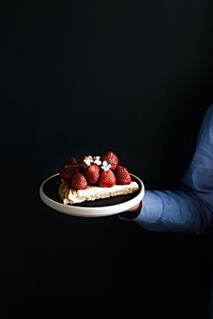 House No 44: Mürbteig Tart mit Ricotta-Füllung + Erdbeeren