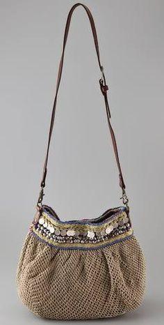 Outstanding Crochet: Crochet bag Maybe could figure this one out Crochet Handbags, Crochet Purses, Knit Or Crochet, Crochet Bags, Diy Sac, Handbag Patterns, Boho Bags, Handmade Purses, Fabric Bags