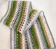 Stylish Easy Crochet: Crochet Scarf, Stole or Muffler Suitable for Both Women and Men