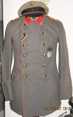 Imperial German WWI uniform tunic and cap.