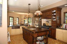 Brown Classic Kitchen Design Ideas