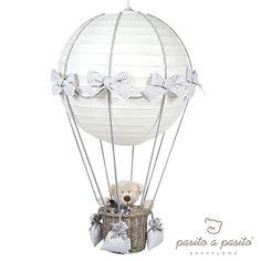 Pasito a Pasito, grijze luchtballon lamp