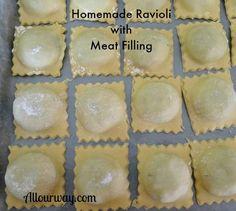 Homemade Italian Ravioli with Meat & Cheese Filling – Rezepte Homemade Ravioli Dough, Homemade Pasta, Homemade Breads, Italian Dishes, Italian Recipes, Ravioli Filling, Meat Ravioli Recipe, Pierogi Recipe, Ravioli Bake