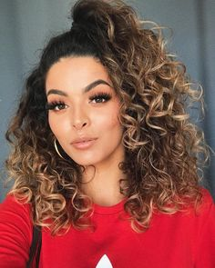 Luzes loiras: 75 fotos e os cuidados para manter esse visual poderoso Ombre Curly Hair, Crimped Hair, Colored Curly Hair, Curly Hair Cuts, Cut My Hair, Dyed Hair, Curly Hair Styles, Afro Hairstyles, Summer Hairstyles