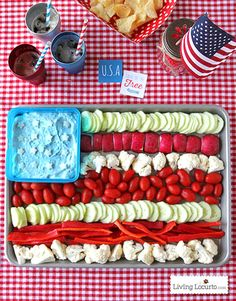 13 Scrumptious of July Appetizers to Kick Off Your Party: AMERICAN FLAG VEGETABLE TRAY: Stack together veggies like tomatoes, cucumbers and cauliflower to create your own star spangled banner. Get the recipe at Living Locurto. Fourth Of July Food, 4th Of July Party, July 4th, Holiday Treats, Holiday Fun, Holiday Recipes, Holiday Parties, Parties Food, Easter Recipes