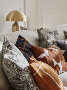 Check out these 20 autum scandinavian interior design inspirational images for your house. Scandinavian decor is still so trendy these days and for autumn i find that it makes your house very cozy … Decor Design, Home, Marimekko, Interior Design Instagram, Living Room Furniture Sofas, Yellow Furniture, Scandinavian Dining Room, Home Decor, Scandinavian Interior Design