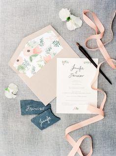 Chic wedding invitation idea; photo: André Teixeira of Brancoprata
