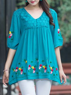 Vintage Embroidery Half Sleeve Blouse for Women can cover your body well, make you more sexy, Newchic offer cheap plus size fashion tops for women. Pakistani Dresses Casual, Indian Fashion Dresses, Indian Designer Outfits, Dress Indian Style, Fancy Dress Design, Frock Design, Tunic Designs, Kurta Designs Women, Sleeves Designs For Dresses