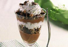 Esta receita de creme de chocolate e café é fácil, fácil: bastam alguns ingredientes, deixar um pouco no forno e potinhos para serv
