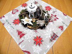 desil / stredový obrus -vianočný Tree Skirts, Christmas Tree, Holiday Decor, Home Decor, Teal Christmas Tree, Decoration Home, Room Decor, Xmas Trees, Christmas Trees