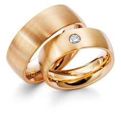 Verighetele ATCOM ATC1235 din aur roz se disting prin simplitatea modelului, care ofera inelelor eleganta si stralucire.