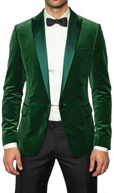 Emerald velvet for the Groom