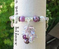 """Bracelet """"Georgia"""" perles Swarovski parme mauve grappe Romantique fête des mères pour femme fantaisie : Bracelet par libertylily"""