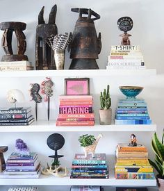 Love a good Shelfie! Especially when they have all the same books as me! Via @greedilulu @apartmentf15