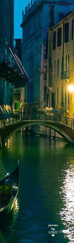 Venice Italy at night | LOLO❤︎