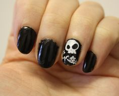 Halloween nails.