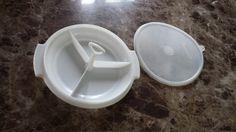 Plat de service tupperware/ 3 Compartment by TupperwareSource