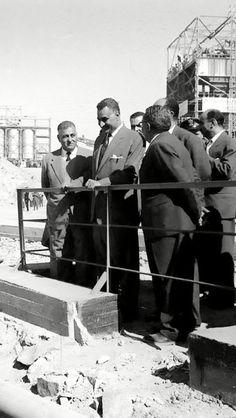 الزعيم جمال عبد الناصر يتابع اعمال السد العالي