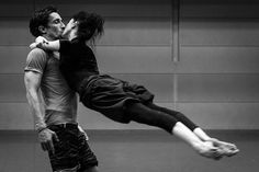 Bort, James - Isabelle Ciaravola & B Pech- Leaping Kiss [Ballet] Modern Dance, Contemporary Dance, Dance Photos, Dance Pictures, Tango, Benjamin Millepied, Photos Black And White, Black White, Anime In