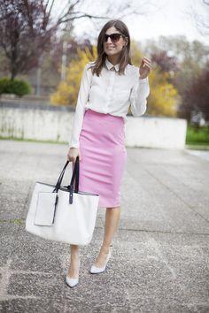 Clásico look para ir a trabajar. Pencil skirt. Street style outfits. Looks de street style. Fashion Blogger.