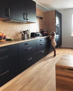 48 Modern Style Kitchen Design Ideas - Kitchen Decor Pictures - Lilly is Love Kitchen Room Design, Modern Kitchen Design, Home Decor Kitchen, Interior Design Kitchen, New Kitchen, Kitchen Designs, Wood Tile Kitchen, Kitchen Soffit, Plywood Kitchen