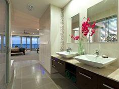 Modern bathroom design with twin basins using ceramic - Bathroom Photo 690111