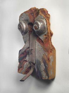 """Liliana Maresca, """"Torso"""", 1982, poliuretano expandido y materiales varios, 93 x 58 x 30 cm"""