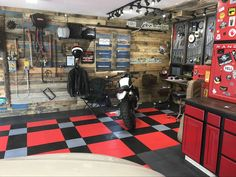 Love this Garage! #GarageFlooring