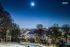 Bielefeld City Deutschland Germany | http://tripfabrik.de/bielefeld  #bielefeld #deutschland #sparrenburg #germany #fullmoon #vollmond #night