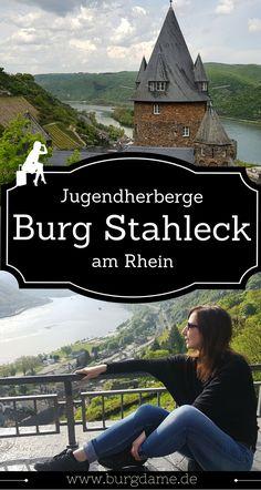 Auf der Burg Stahleck am Mittelrhein kann man sehr günstig und dennoch in einmaliger Lage übernachten. #burg #burghotel #rhein #rheinlandpfalz