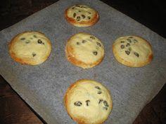 Helkan Keittiössä: Gluteeniton Pullataikina Muffin, Cookies, Baking, Breakfast, Desserts, Food, Crack Crackers, Morning Coffee, Tailgate Desserts