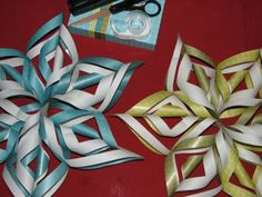 Christmas Decorations for Kids handmade christmas decorations kids Easy DIY Paper Snowflakes 3d Paper Snowflakes, Snowflake Cutouts, Christmas Snowflakes, Christmas Paper, Paper Stars, Simple Snowflake, Homemade Christmas, Winter Christmas, Christmas Tree