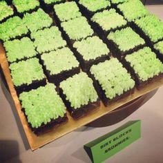 Loves Desserts: Minecraft Themed Birthday Brownies