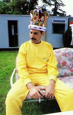 The King of Queen, i sure miss him.