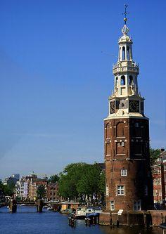 Torre y canal,Amsterdam