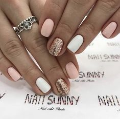 Shared by ◂▾▸ ˢ ᴱᴿᴱᵀᴬ ◂▾▸. Find images and videos about girl, style and pink on We Heart It - the app to get lost in what … Sassy Nails, Cute Nails, Pretty Nails, Beige Nails, Pink Nails, White Nail Designs, Formal Nails, Shellac Nails, Shellac Nail Designs
