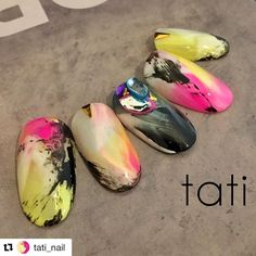 Create with ease and perfection with tati Brushes. The most highly demanded brush that was handcrafted just for gel and gel nail art. Fabulous Nails, Gorgeous Nails, Love Nails, Creative Nail Designs, Creative Nails, Japan Nail Art, Sculpted Gel Nails, Yellow Nail Art, Queen Nails